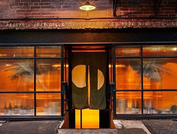 2019年にNYにオープンしたおまかせ懐石料理「TSUKIMI」 の暖簾